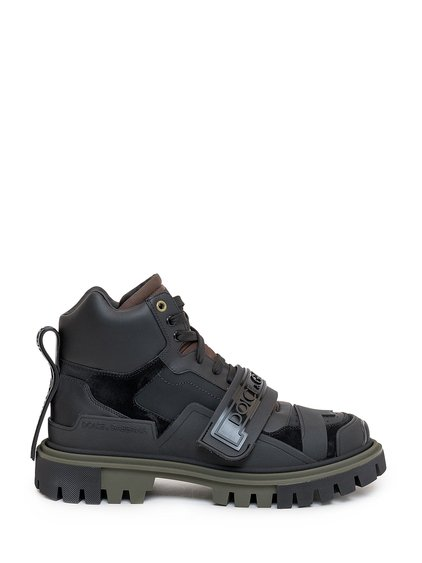 Trekking Shoes with Logo image