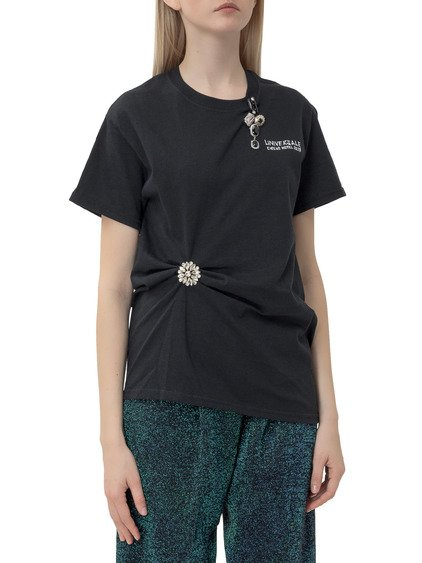 T-shirt with Brooches image