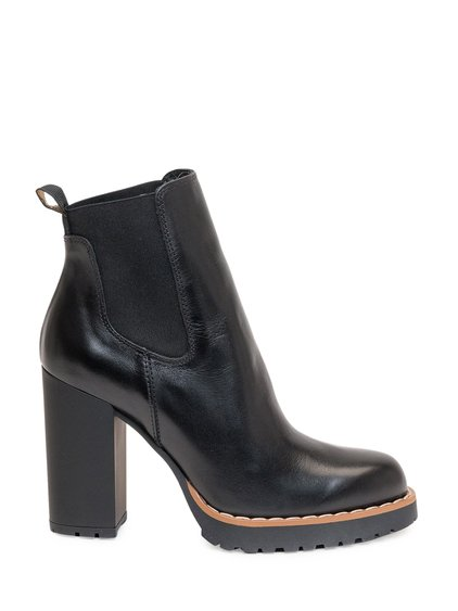 H542 Chelsea Boots image