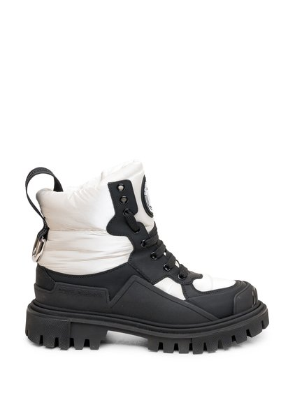 Trekking Sneakers image